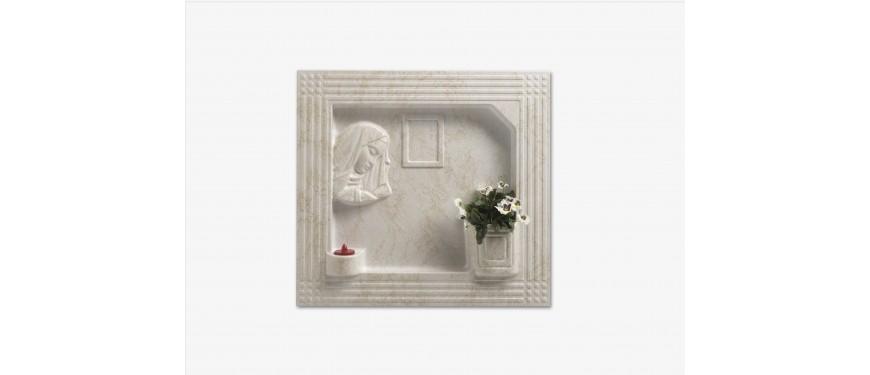 a001 Art. 3/1/D Copriloculo volto Madonna
